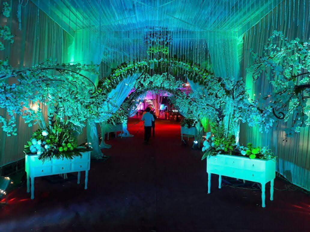 Wedding Flower Arrangements In Pune Order Now